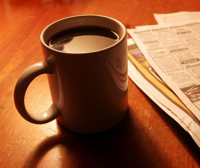 Coffee_and_newspaper.jpg.2b17f4cdbd403a5ff320762755f8c69c.jpg